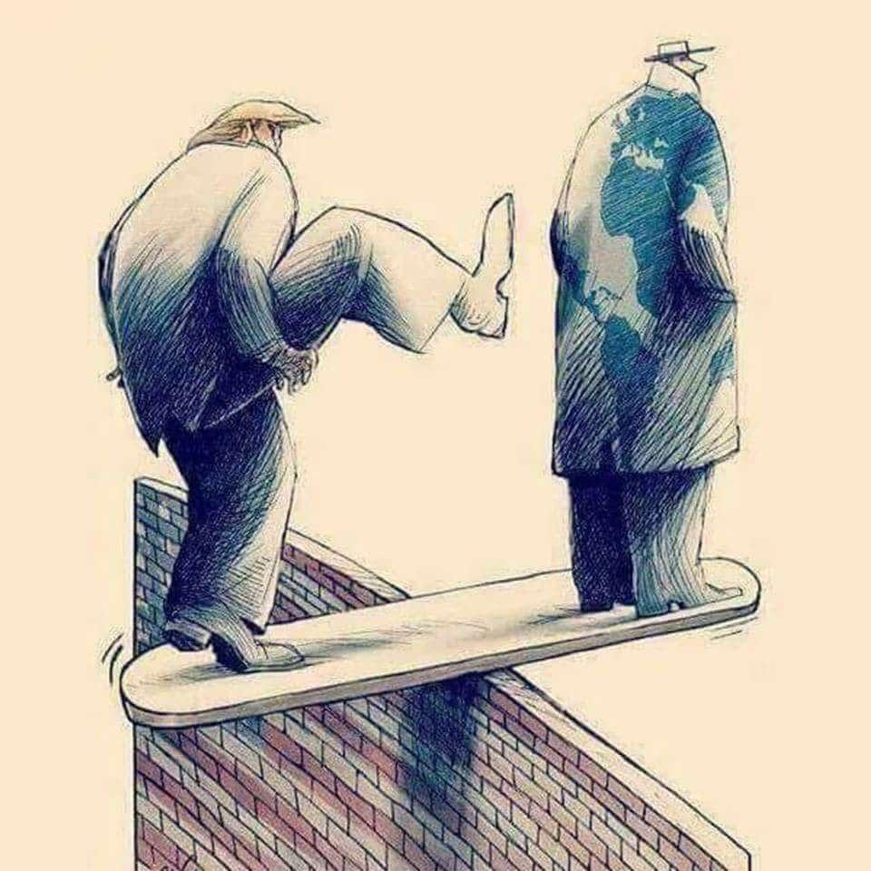 17. Cách tốt nhất để đẩy mình đi xuống là đạp người khác xuống