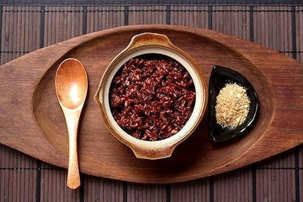 Cơm gạo lứt đậu đỏ
